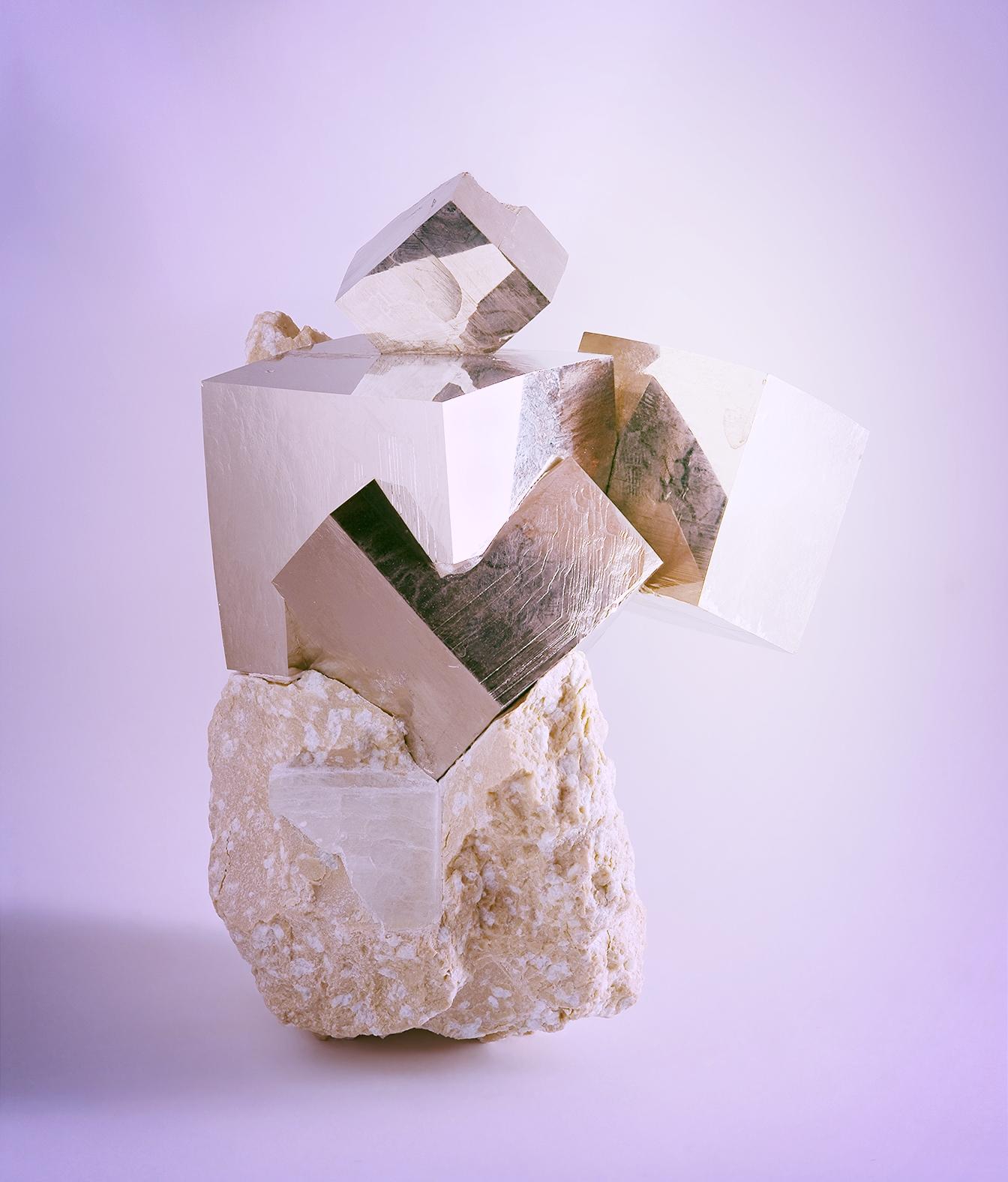 Pyrite_from_Ampliación_a_Victoria_Mine,_Navajún,_La_Rioja,_Spain_2.jpg