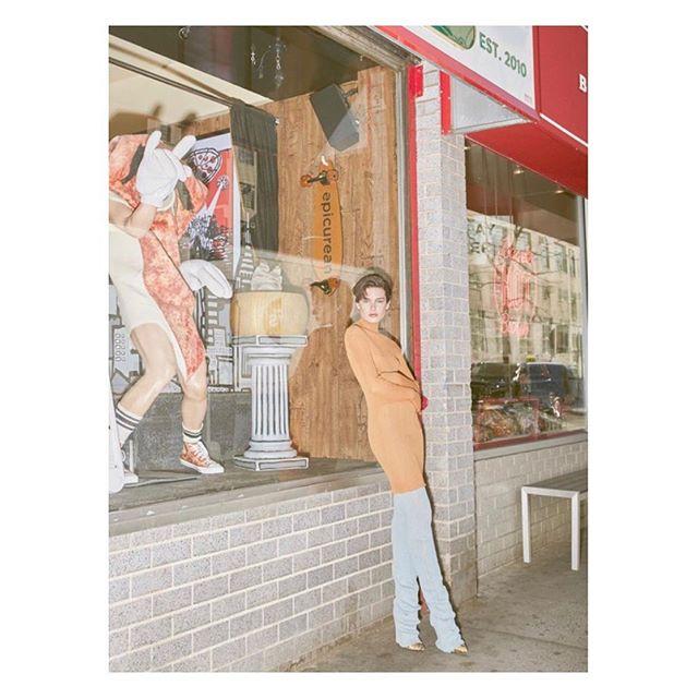 BAZAAR Thailand June Issue  @sophiapastorius  Images @waroontuang  Styling @ralguerrero  Hair @isaacdavidsonhair  @kerastase_official  Makeup @tiffanyleighpatton . . . . . . . . . .  #shorthair #harpersbazaar #editorial #stylist #summer #fashion #editorial #kerastase #beautyblogger #fashionblogger