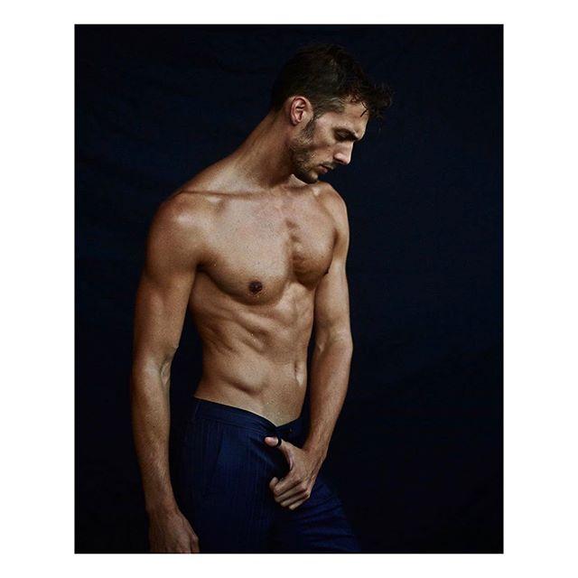 @perfectmanmag .... @colafederico @musemodelsnyc Moving portrait @patrick_postle, Grooming #isaacdavidson @theindustryartistmgmt Makeup @miriamrobstad, Style @lisajarvis_stylist  #mensstyle #fragrance #grooming #underwear #vanity #men #mensgrooming