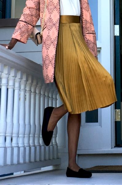 gold skirt.jpg