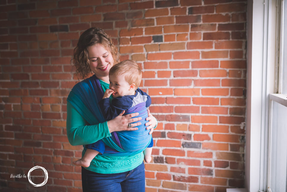 Handwoven babywearing photography session in Ottawa
