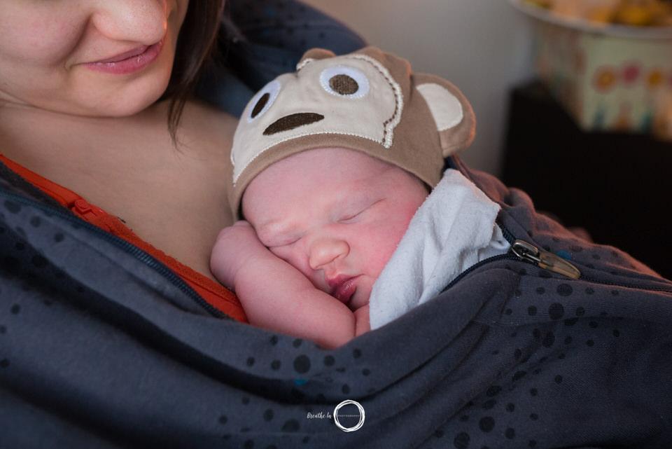 mom-newborn-skin-on-skin-1-2-1.jpg
