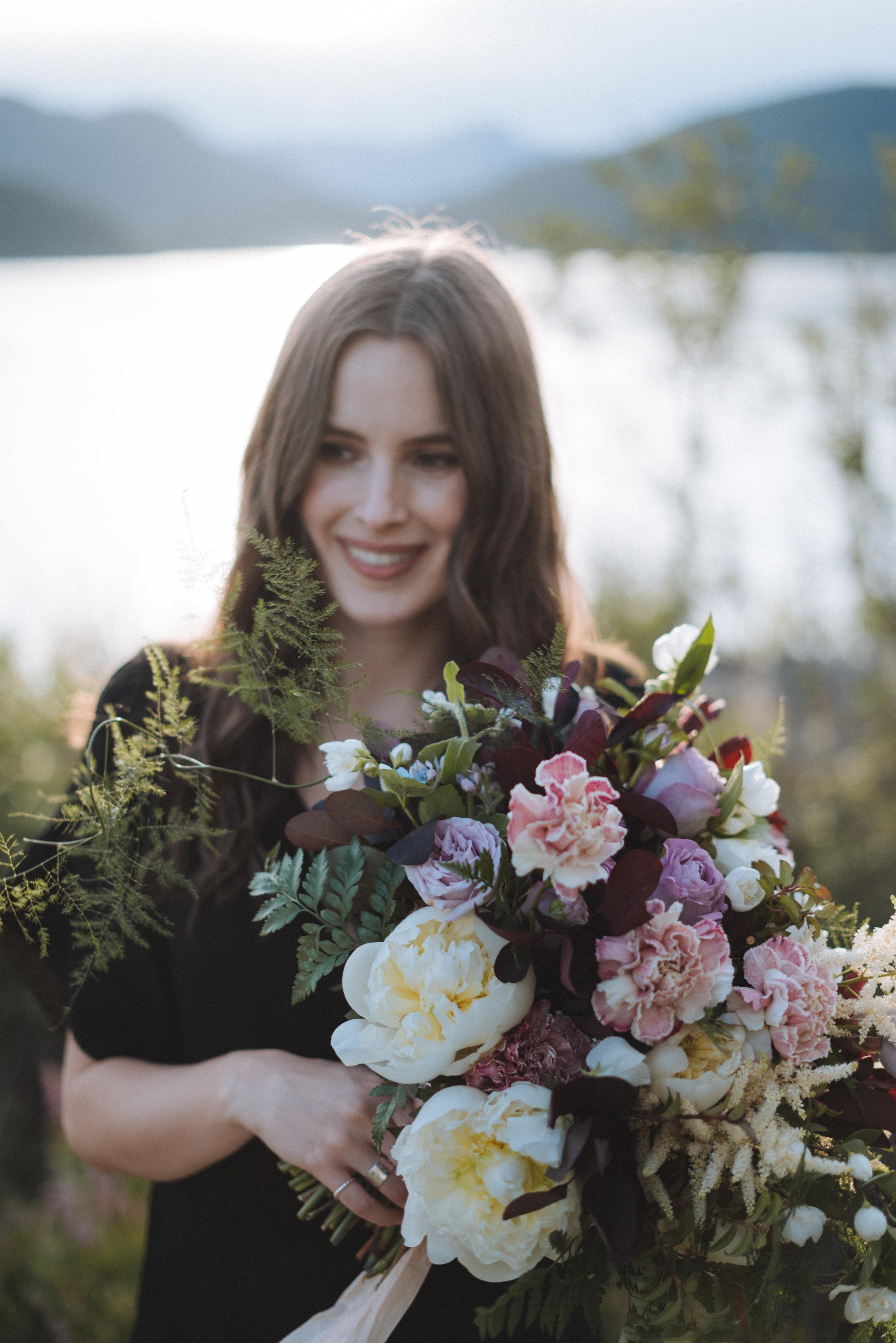 Vancouver-Canada-Travel-Elopement-Adventure-Wedding-Portrait-Photographer-Emma-Rae16.jpg