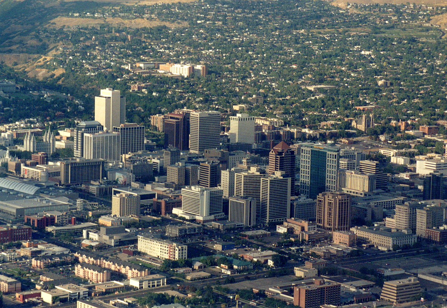 Salt_Lake_City_panorama.jpg