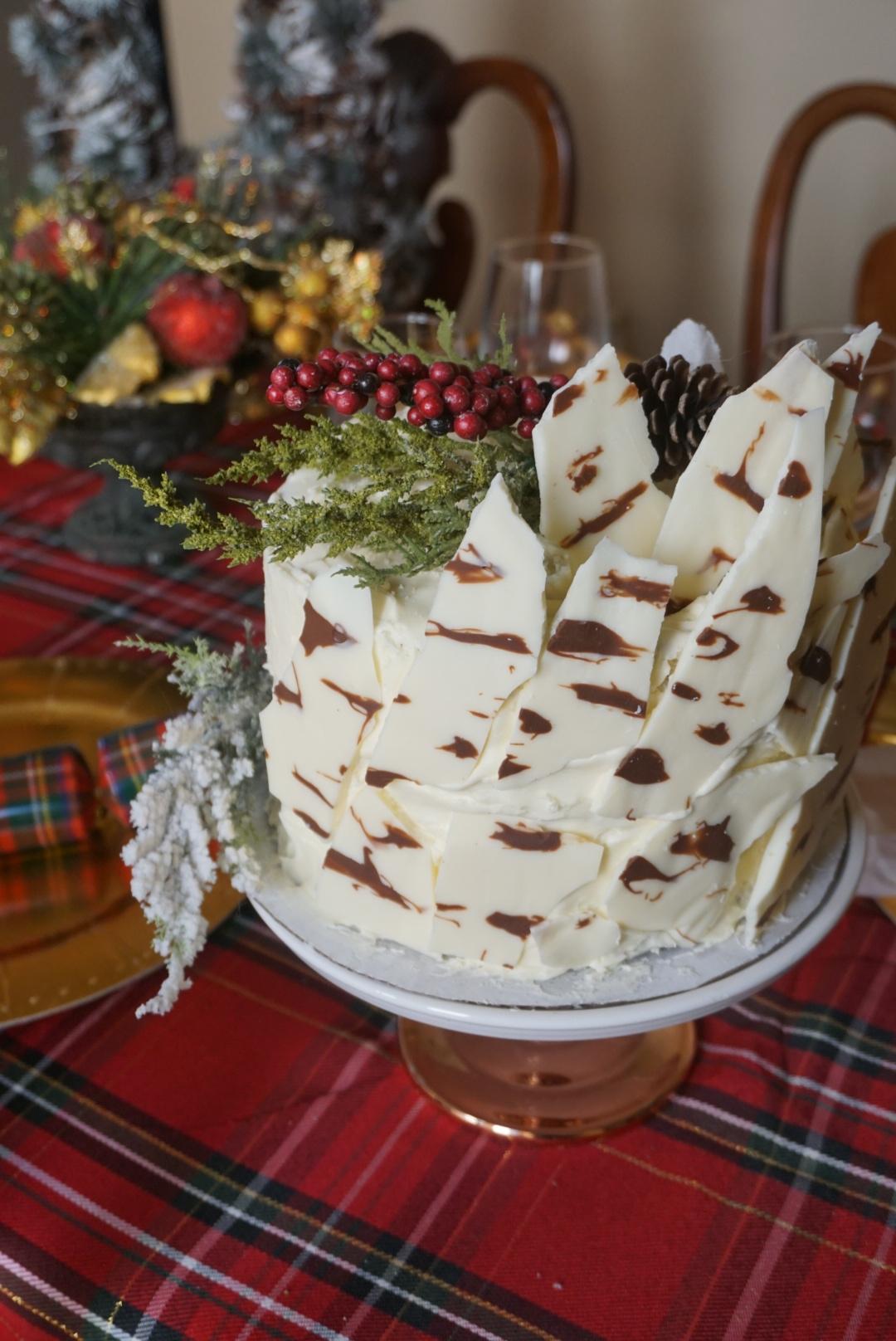 Chocolate & Vanilla Bark Cake