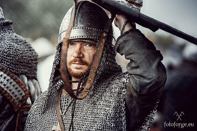 Downpour #nikond600 #nikonphotography #reenactment #viking #vikingage #warrior #war #wet #helmet #shield #combat #vikings #medievaltimes #livinghistory #rain #festiwalslowianiwikingow #wolin #jomsborg #foto_forge
