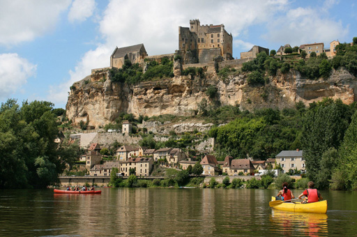 luxury-accommodation-dordogne-lake