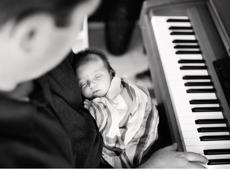 genuine-connections-melbourne-newborn-photographer.jpg