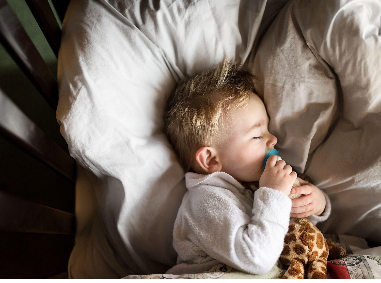 natural-newborn-photographer-melbourne.jpg