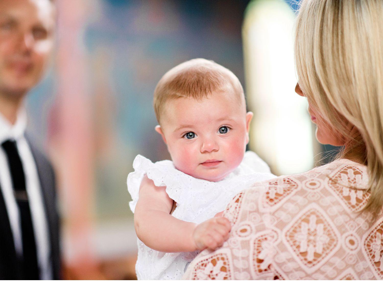 baby-natural-christening-baptism-photographer-melbourne-bec-stewart-lifestyle-photography-12.jpg