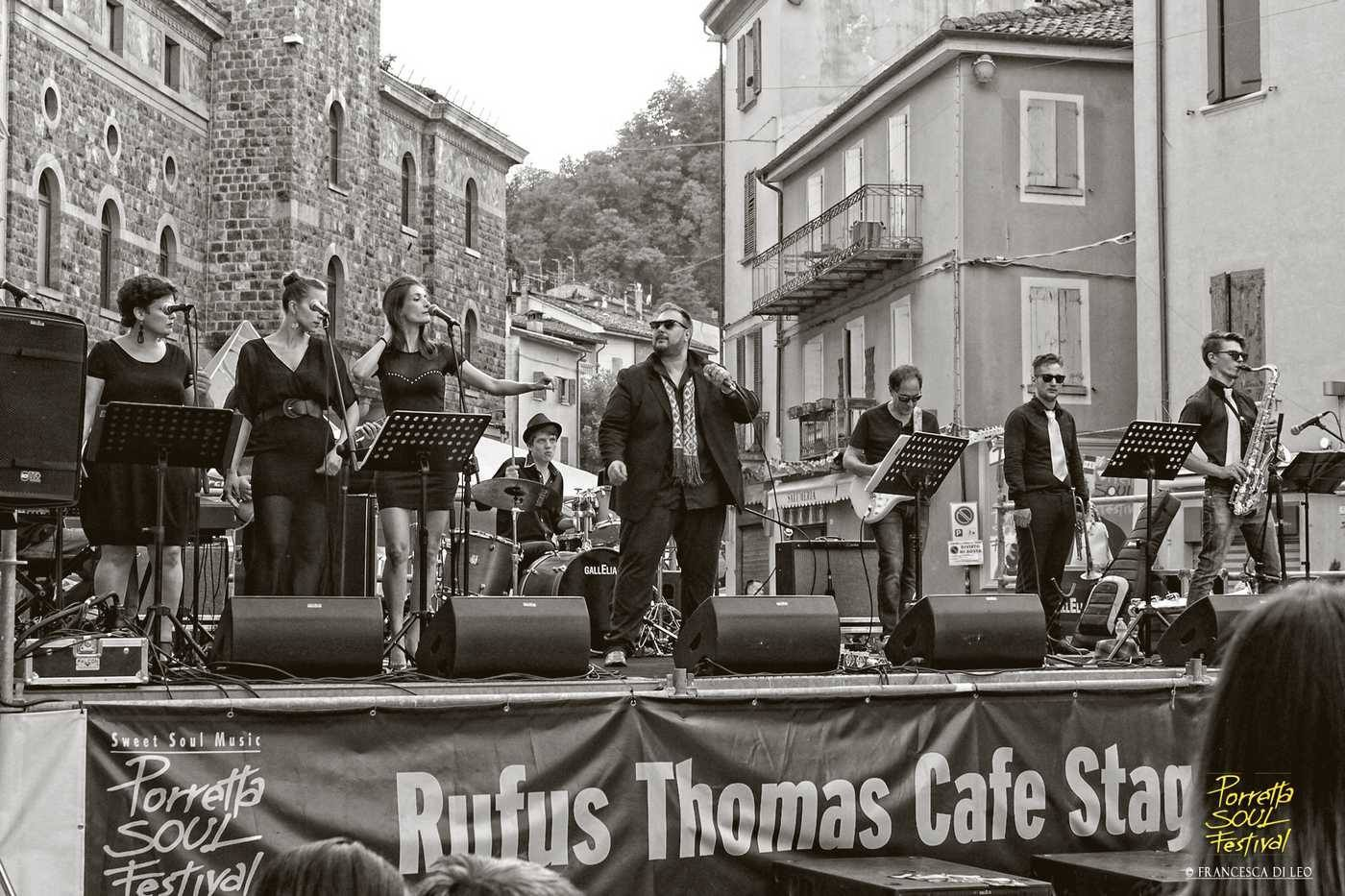 rufus thomas stage.jpg