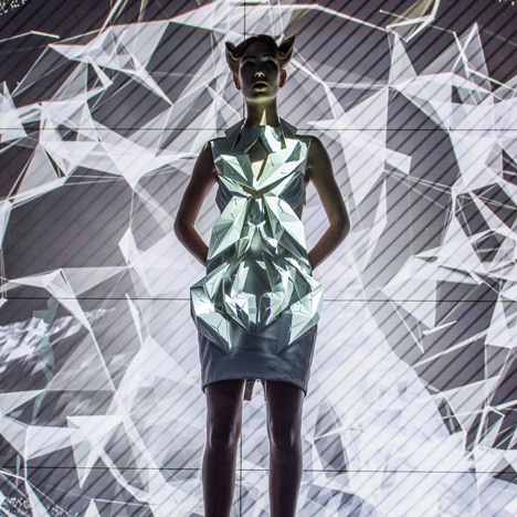 Annouk-Wipprecht-3D-printed-fashion-collection-for-Audi_dezeen_02.jpg