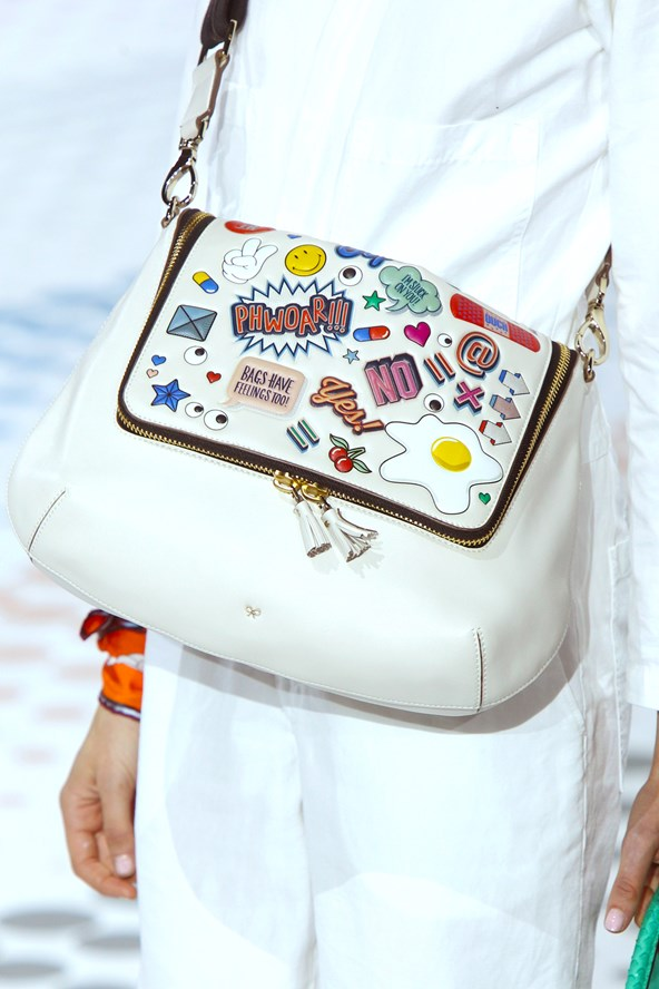 Anya-Hindmarch-SS16-Emoji-Sticker-Bag-Vogue-19Nov15-Getty_b_592x888.jpg