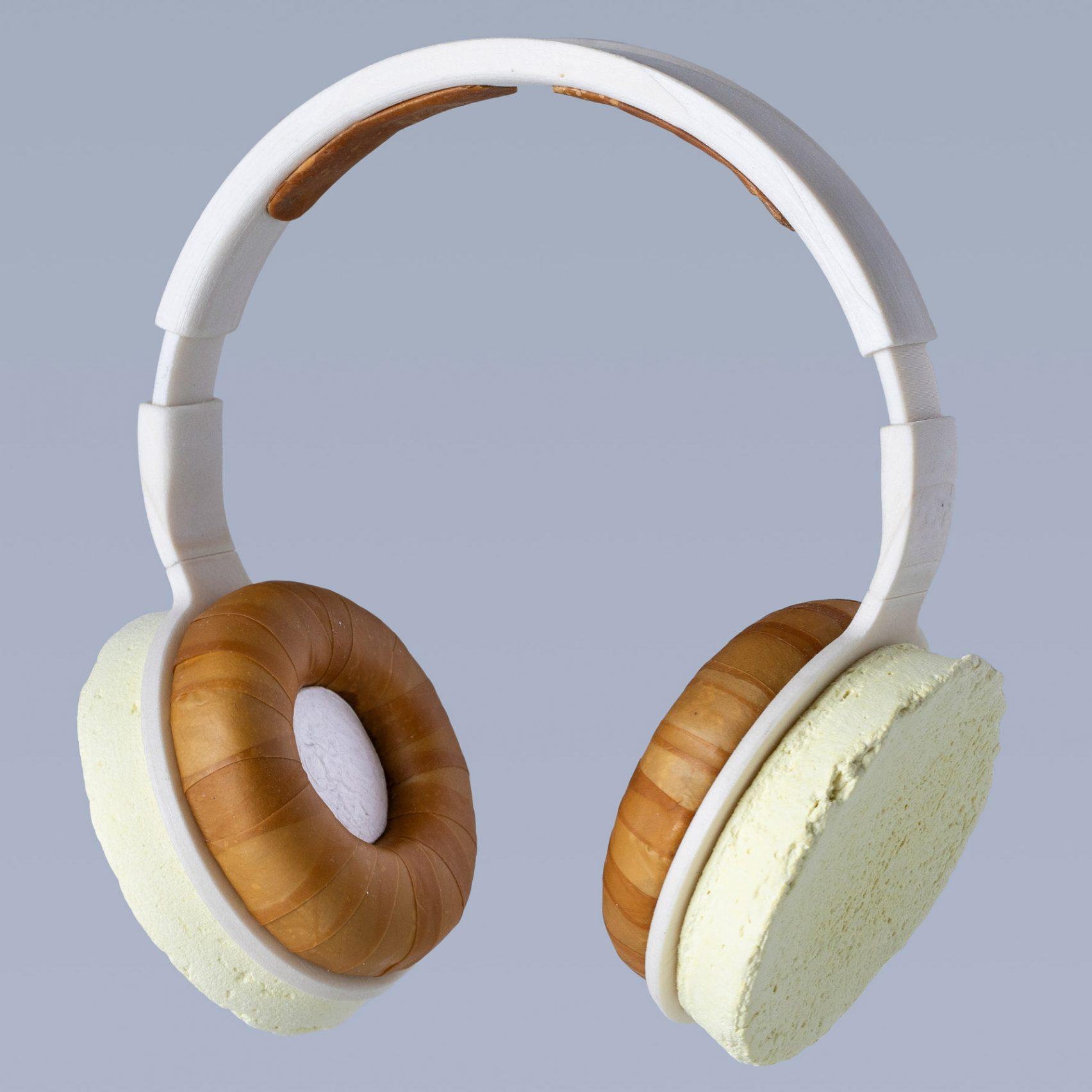 korvaa-headphones-aivan-grown-fungus-yeast-_dezeen_2364_sq_3-1704x1704.jpg