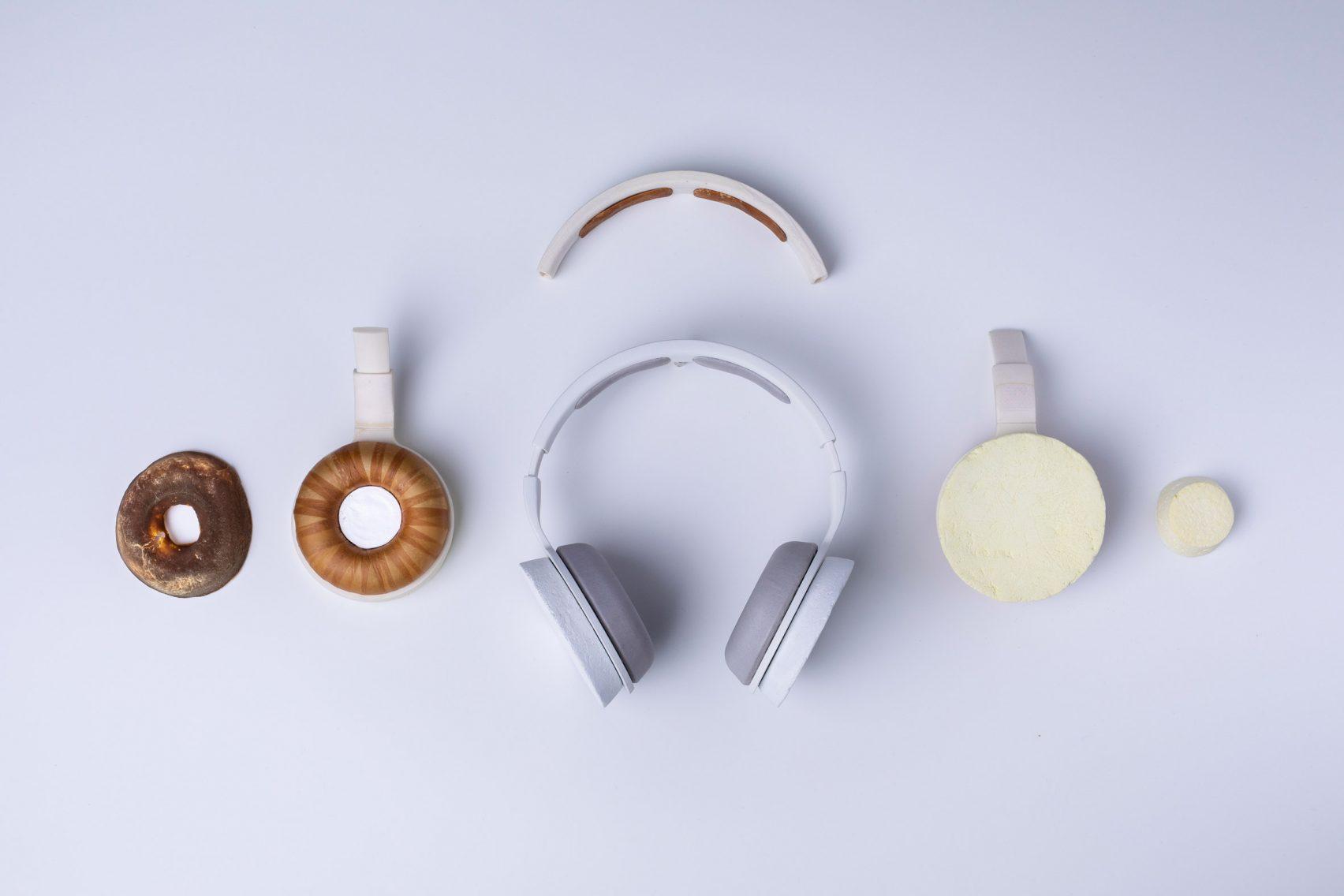 korvaa-headphones-aivan-grown-fungus-yeast-_dezeen_2364_col_2-1704x1136.jpg
