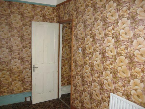 brown floral room