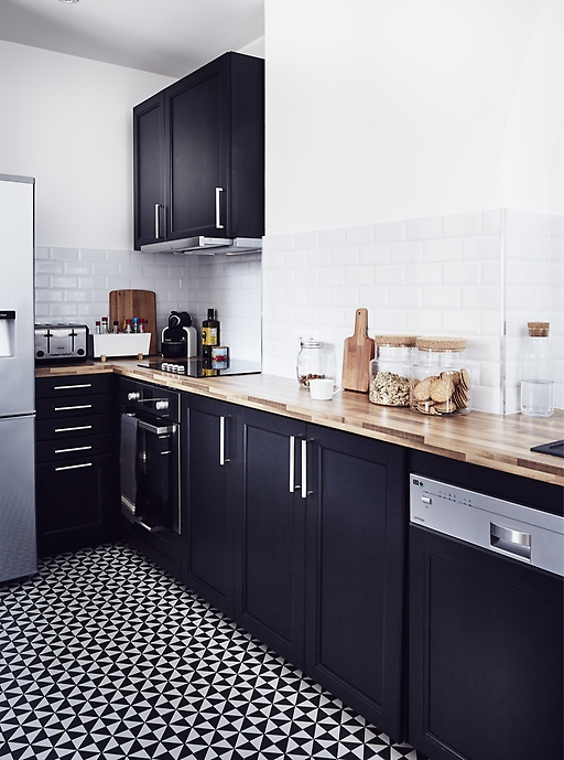 ikea-create-a-neutral-black-and-white-palette-for-the-kitchen__1364476226376-s3.jpg