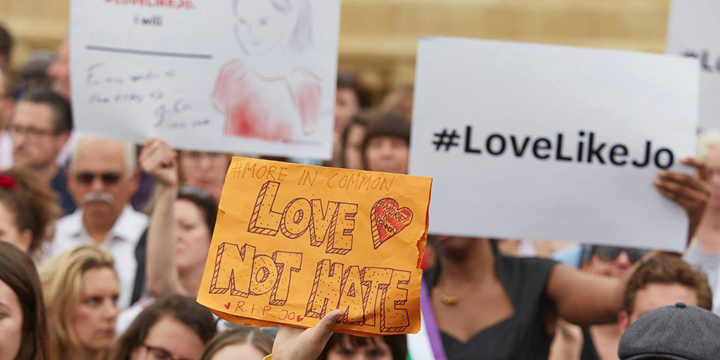 Trafalgar Square Love not Hate 1024x512.png