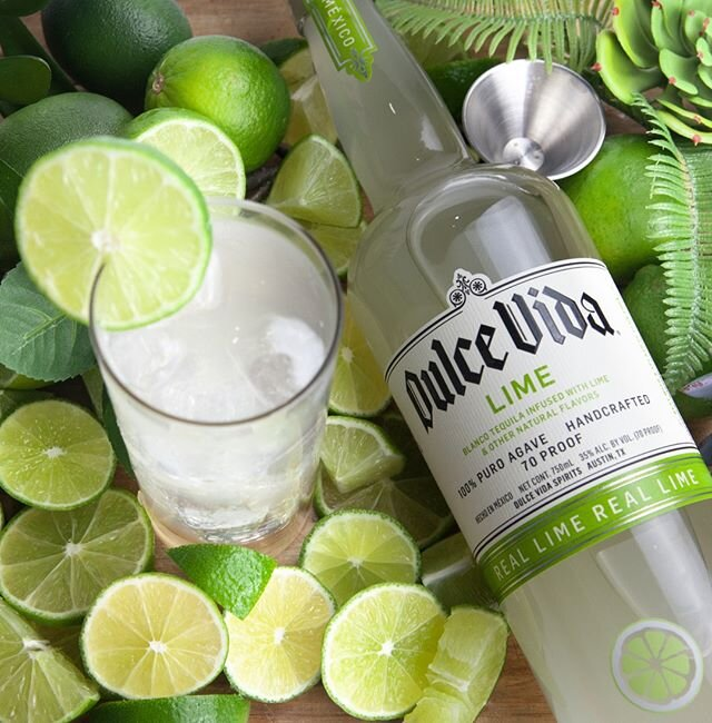 Going green in the new year? Let us help! 66 calories, 2.4 carbs per serving, mix our lime infused tequila with your favorite mineral water for a skinny margarita to keep your New Years Resolutions on track! ********************************** #tequilatribe #agaveallday #dulcevidatequila #dulcevida #lowcal #lowcarb  #vivaresponsibly #drinkresponsibly #skinnycocktails #skinnymarg #newyearsresolutions #keto #ketofriendly #resolutions