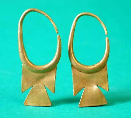 Phoenician hoop earrings 7th century bc