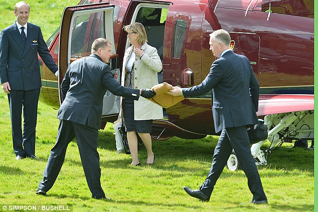 The royal cushion is delivered to the prince