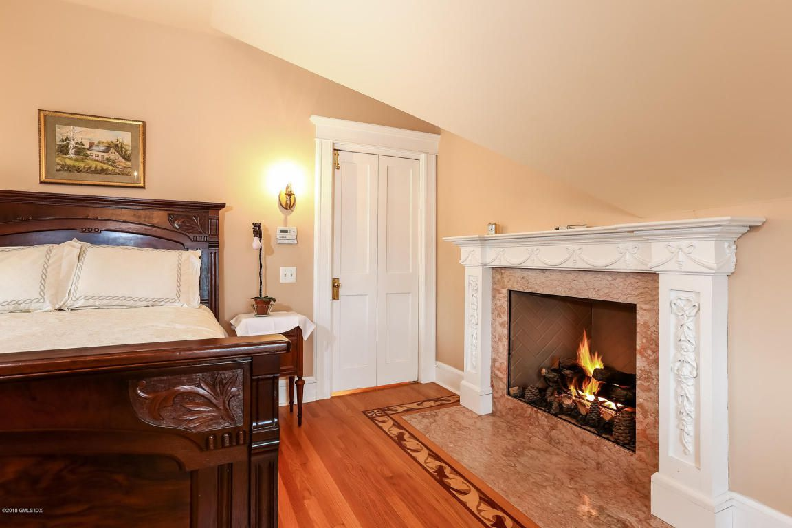Photo Shopped fire — does the fireplace actually work? Most don't.