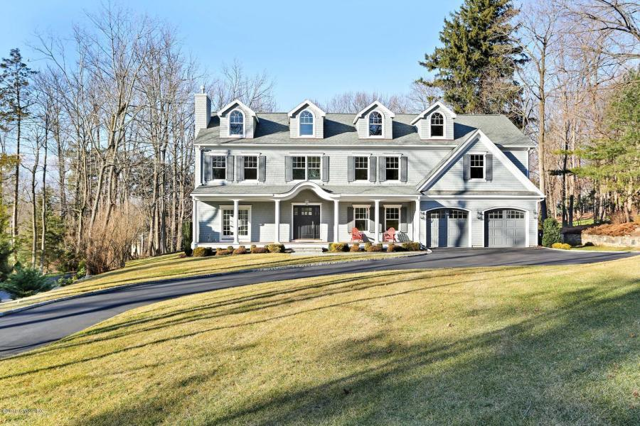 16 Norton Lane, Old Greenwic h (in the Hillcrest Park Association). Asked $2,950,000. Got $2,800,000.  List: Chris Fountain/Michael Dinneen  Sell: Susan Isaak