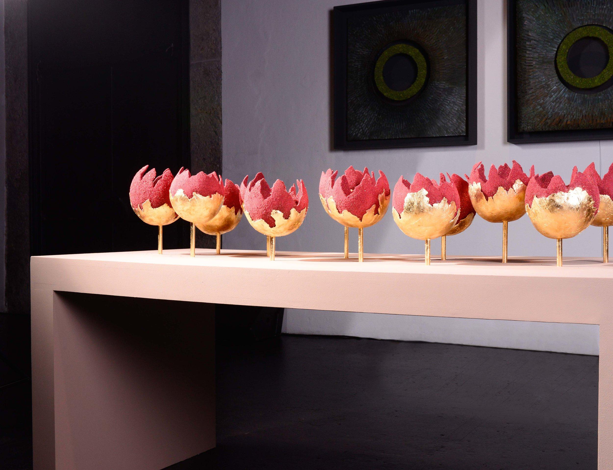 Frei schwebende Fantasieblüten bildeten ein einzigartiges Ensemble - geschaffen durch Alexandra Hummel aus Deutschland.