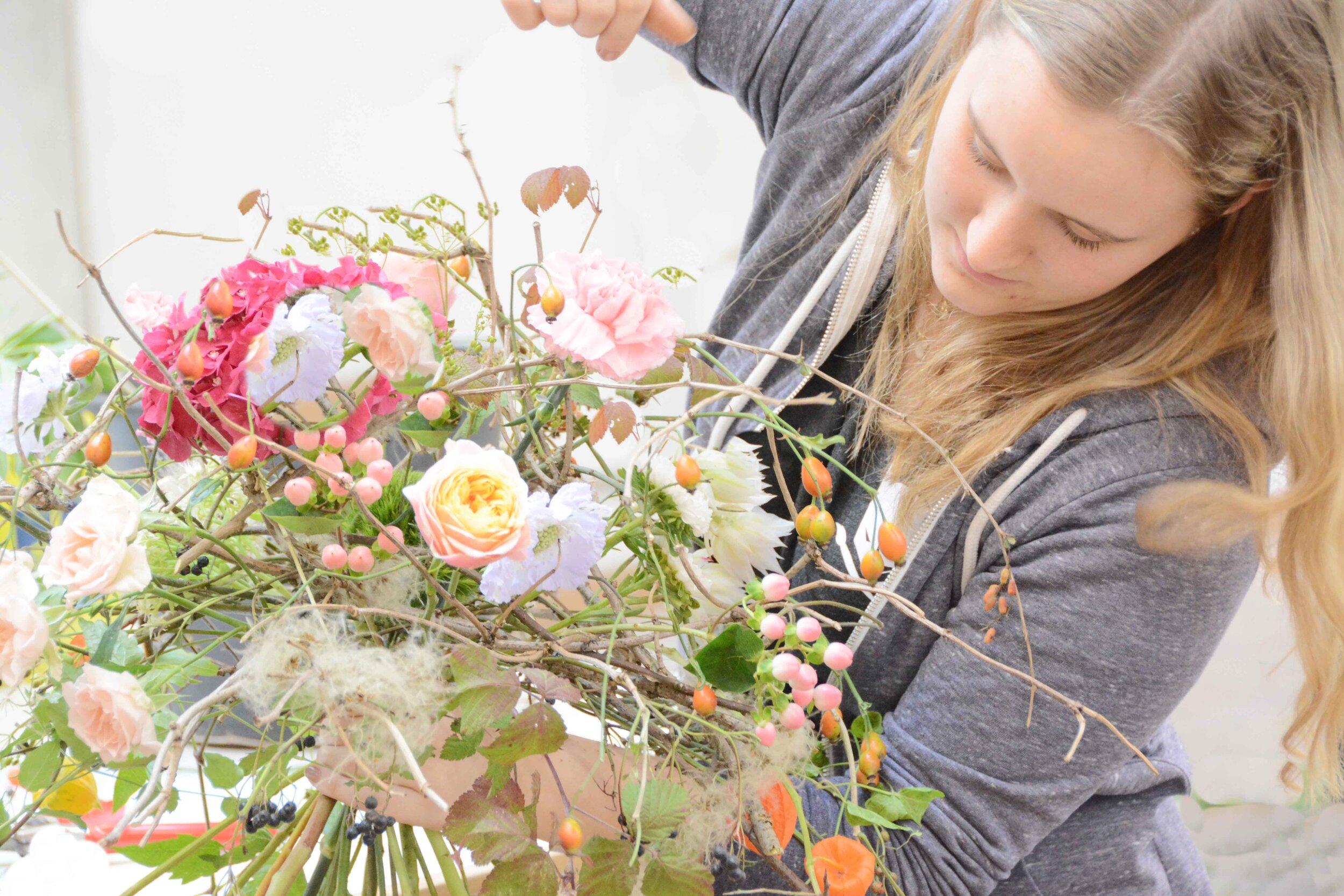 Luftig-duftige Traumsträusse entstanden in der ersten Schulwoche der aktuellen Meisterklasse an der Academy of Flowerdesign /AoF