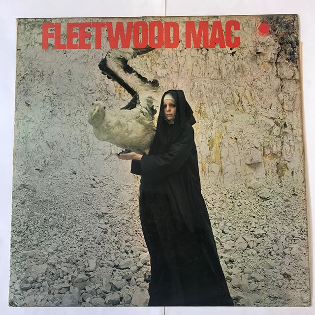#fleetwoodmac (The pious bird of good omen ) now spinning at sounds ok