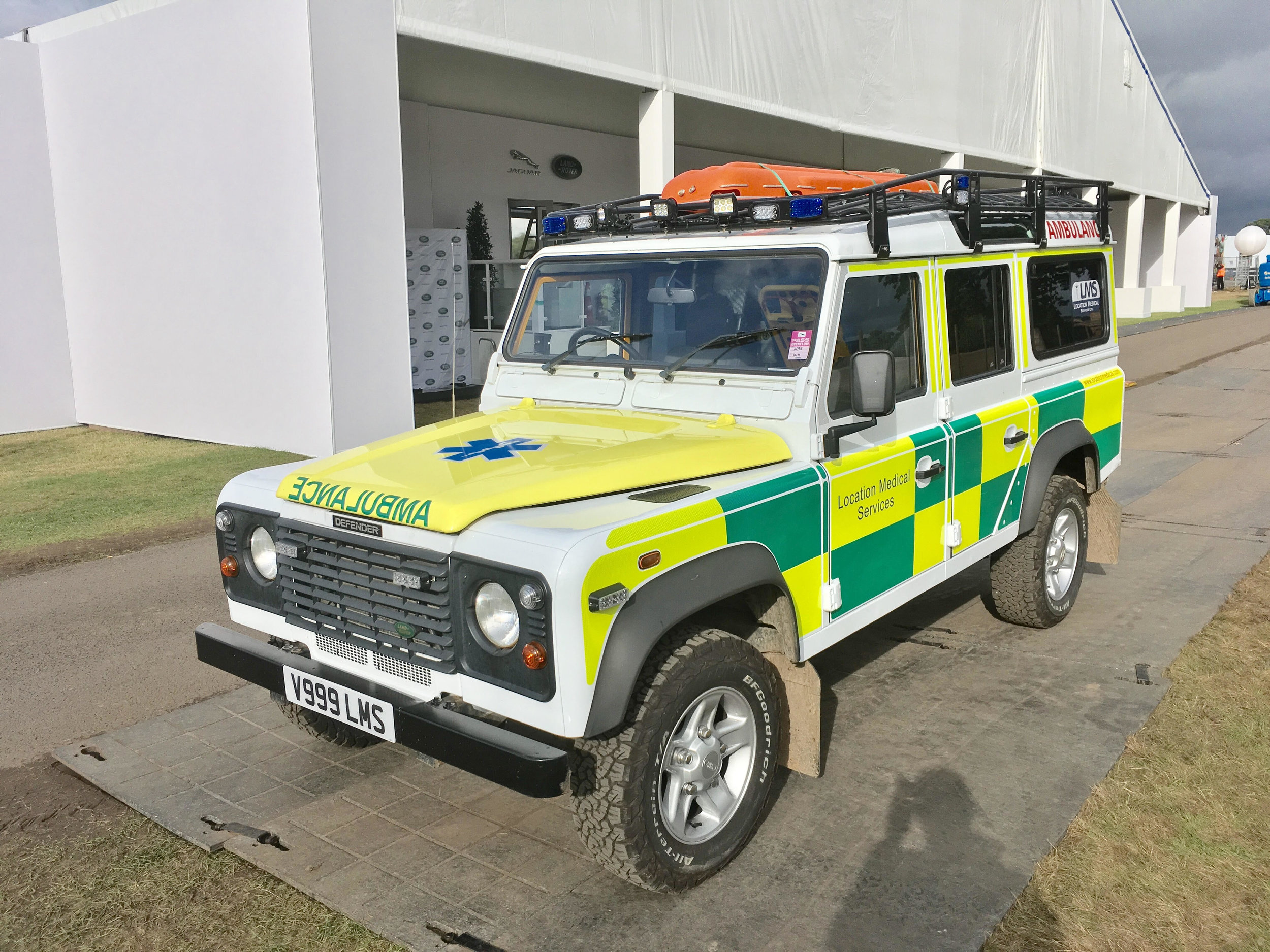 Landrover Defender Rescue Ambulace