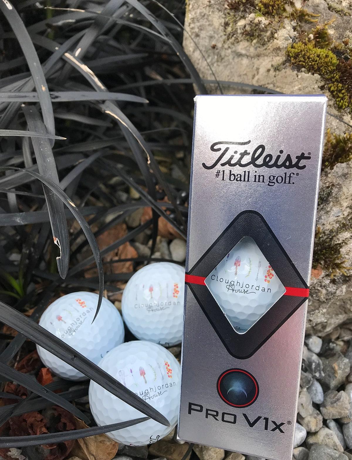 CJH_Gifts_0005_Golf_Balls_Box.jpg