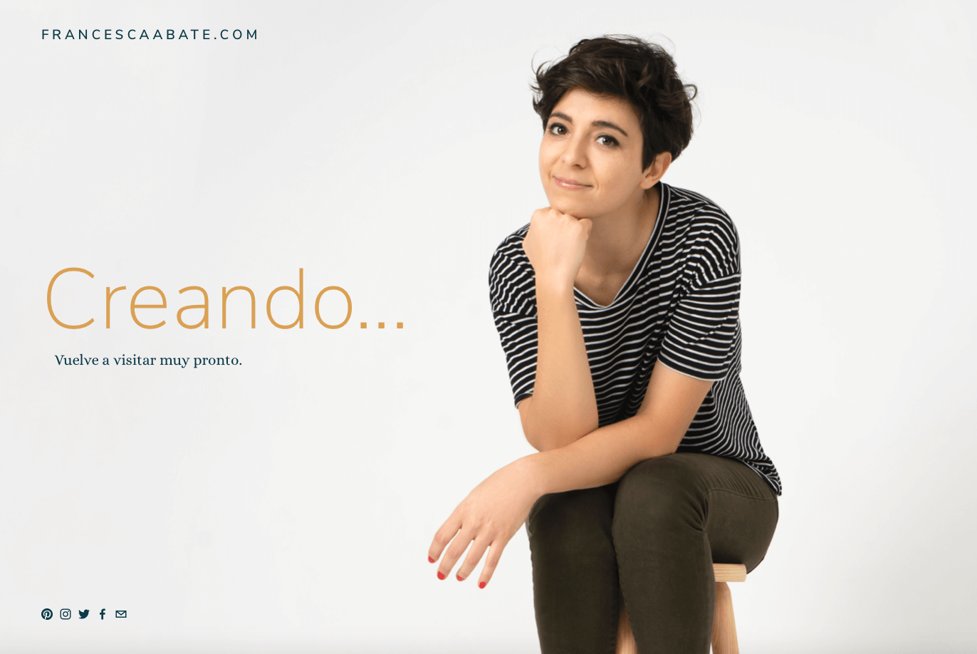 """Ejemplo de página de portada """"muy pronto"""" para Francesca Abate en Squarespace"""