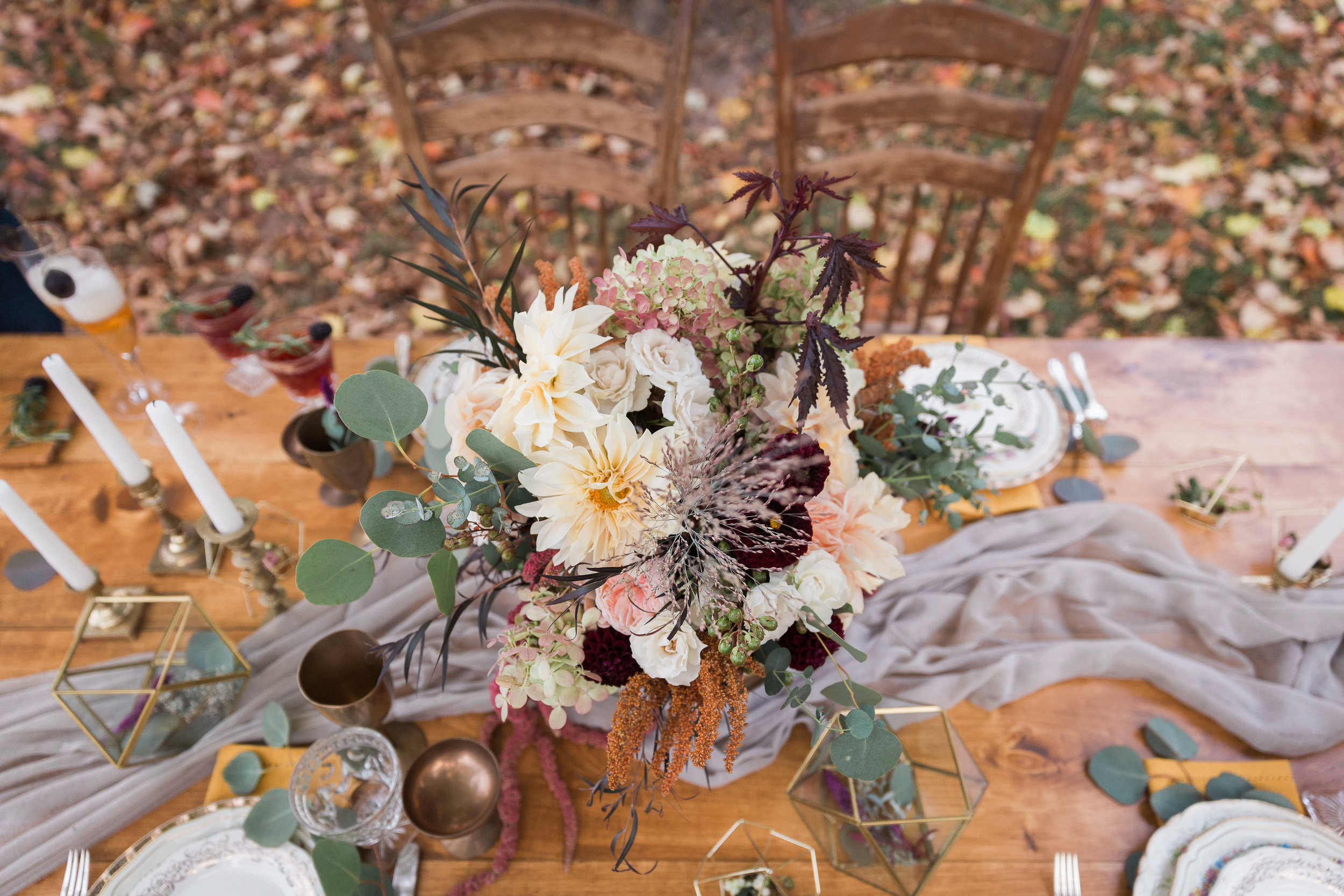 Burgundy wedding table design