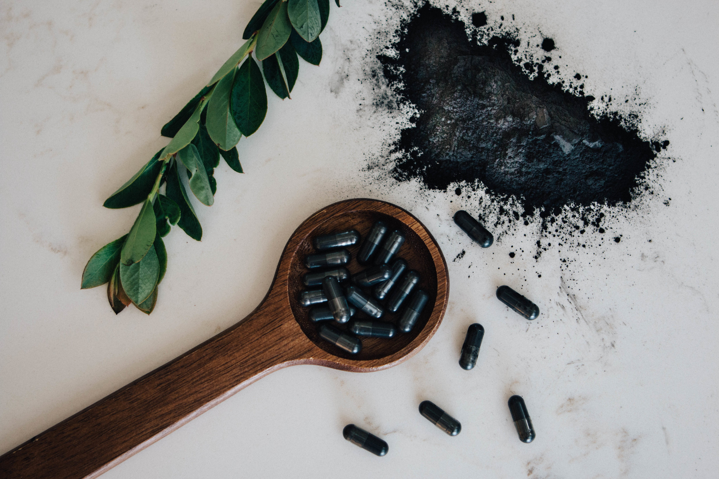 A CHARCOALTWO-DAY REBOOT: - Over the course of two-days, you can take charcoal capsules 90 minutes before each meal as away to reboot your digestive tract. It also binds to excess gas, which can reduce bloating.
