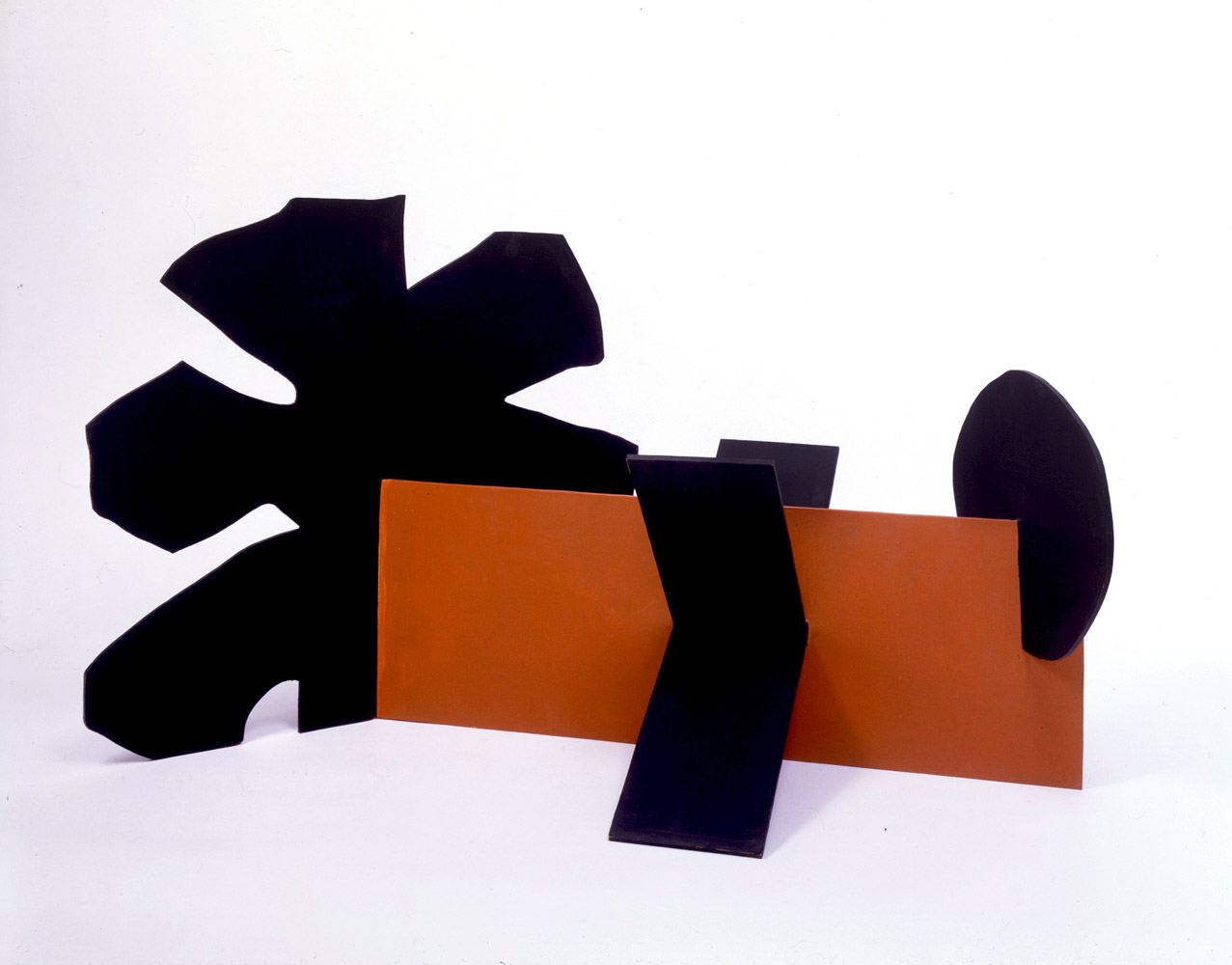 """<br><i>Untitled</i> <br> 1968<br>Painted aluminium<br>24 x 42 x 22"""""""