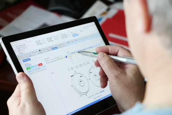 pedinotes-tablet.jpg