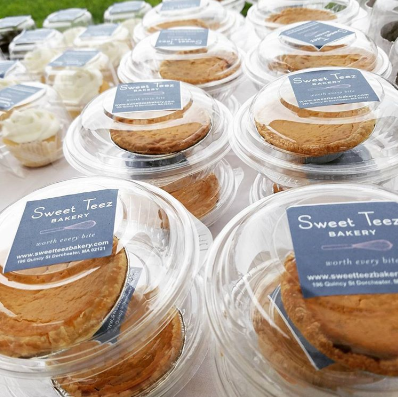 Sweet Teez Bakery - sweetteezbakery.comDitch the oven for one (or some) of Sweet Teez' mini pies to save the fight over who gets the last slice. Nut free custom baked goods with unique flavors & creative designs. Available at Whole Foods.