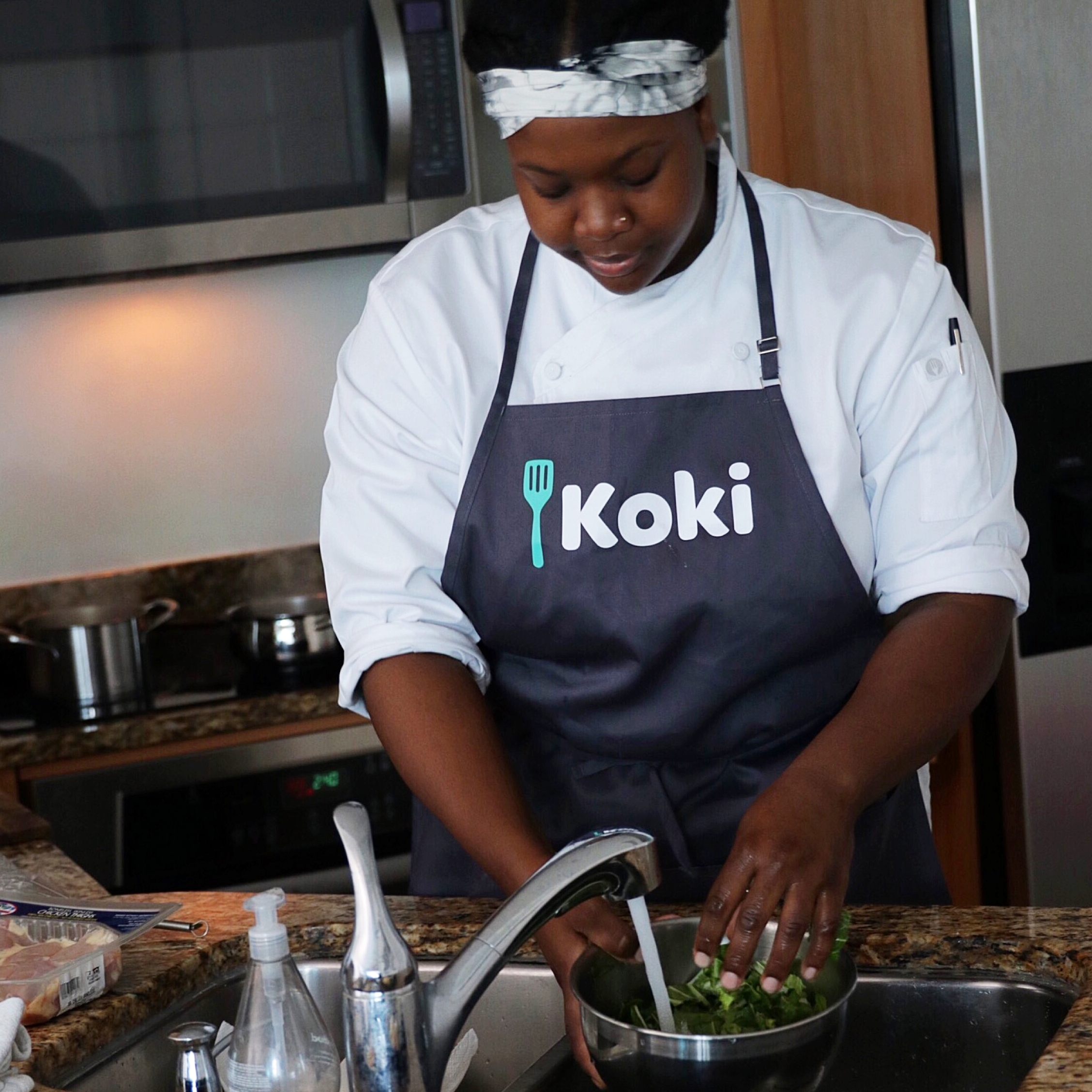 Koki - kokiexperience.comDon't fret about that holiday dinner party! Koki is a next day personal chef service allowing you to conveniently book a chef to your home, They even bring fresh organic groceries and any necessary cookware so you can focus on the other stuff.