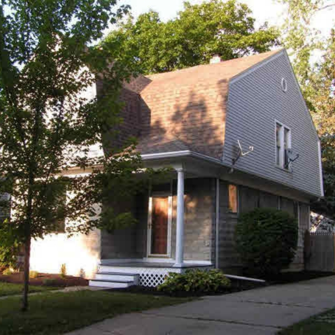 2208 Crescent Avenue - SOLD 10/20/11   Represented: Both Days on Market: 43 Sale Price: $83,000