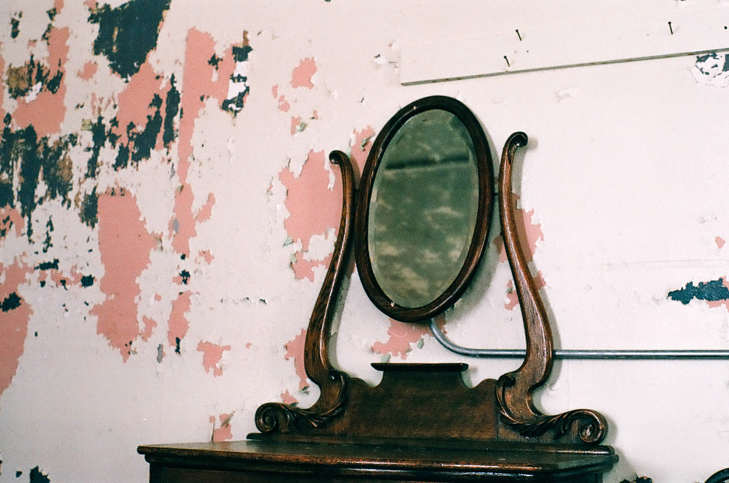 A dresser in Edinburgh Manor. Photo by Hayley Anderson