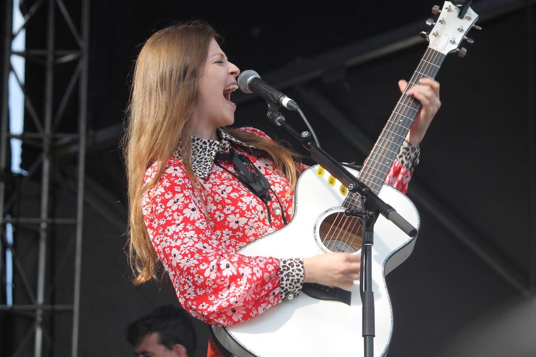 Jade Bird, Hinterland Music Festival.  Photo by Sarah Poultney