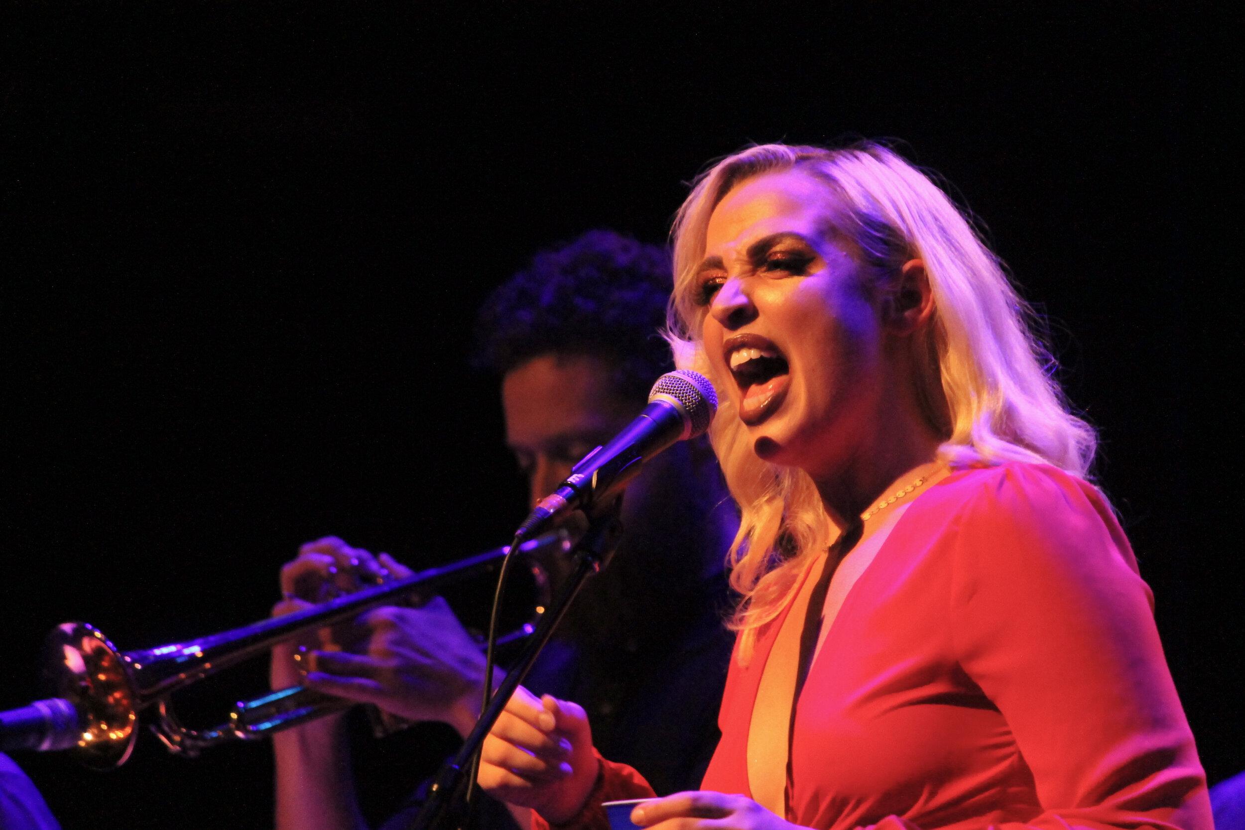 Elizabeth Moen at the Englert Theatre Photo by Lauren Arzbaecher