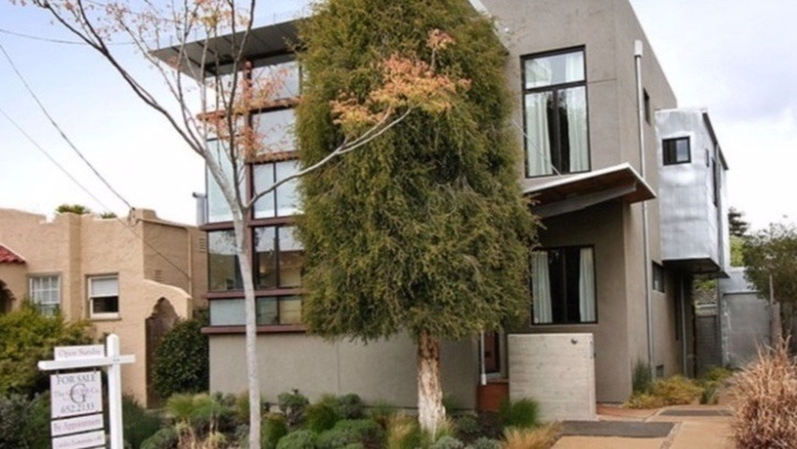1147 Camelia Street, Berkeley  Listed for $1,225,000 | 4 offers  REPRESENTED THE SELLER:   www.1147Camelia.com