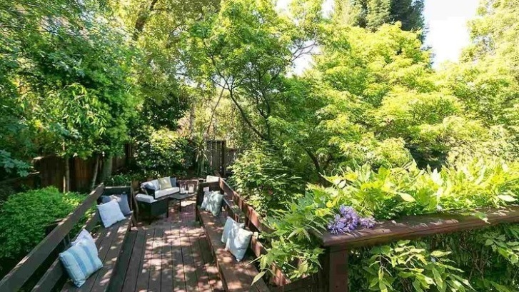 2026 Los Angeles Avenue, Berkeley  Listed for $899,000 | 14 offers  REPRESENTED THE BUYER