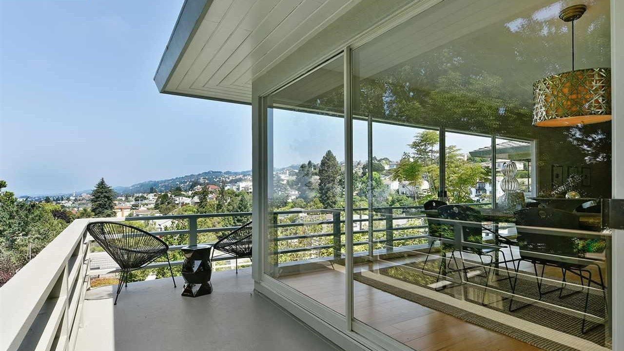 5206 Harbord Drive  , Oakland Listed for $1,850,000 | 3 offers REPRESENTED THE SELLER