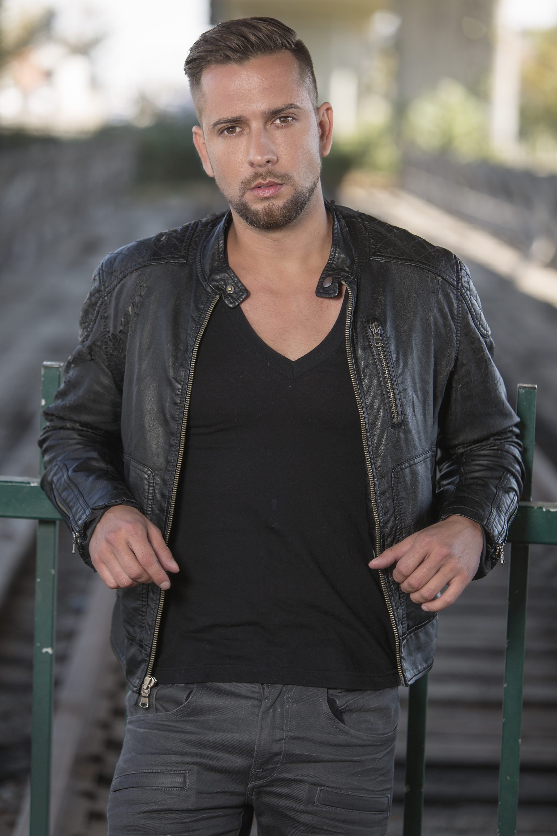 Special guest, recording star and American Idol alum,David Hernandez.