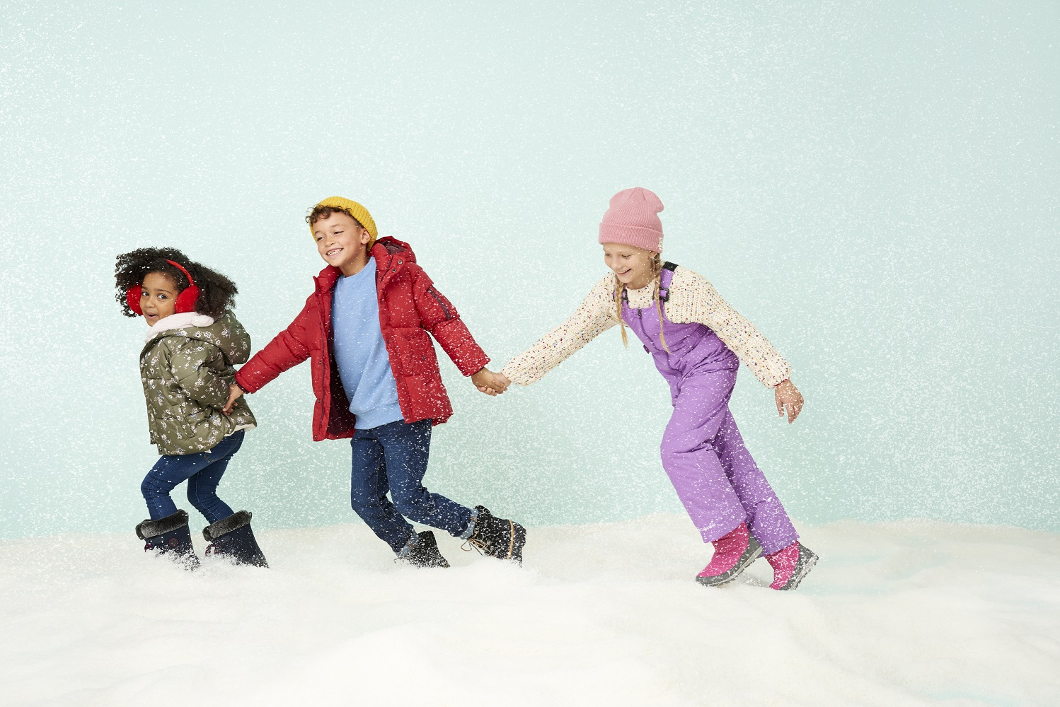 Holiday18_Campaign_Kids_Snow_154_1991eBay_B_ADOBERGB.jpg