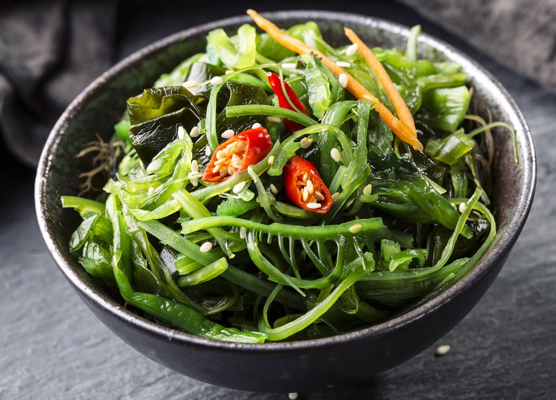 Salat med sjøgress, tang og tare.