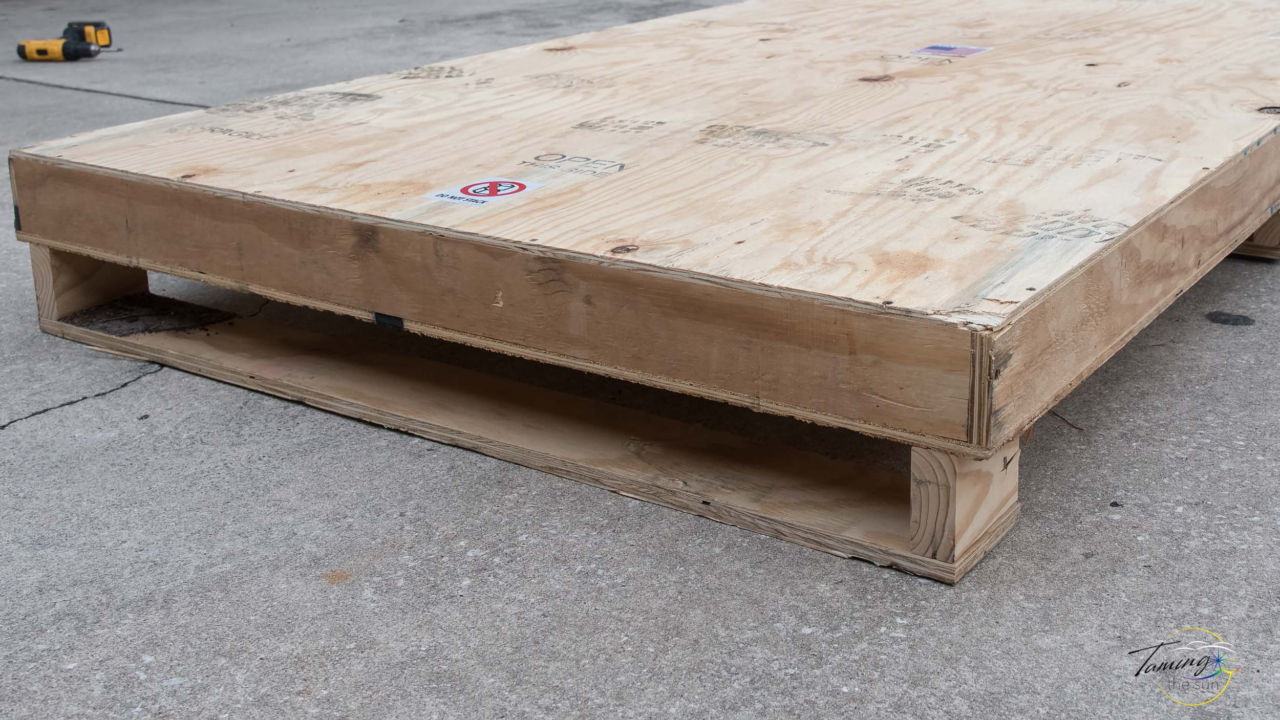 Near Earth Comet 80x45 Shipping Crate 1